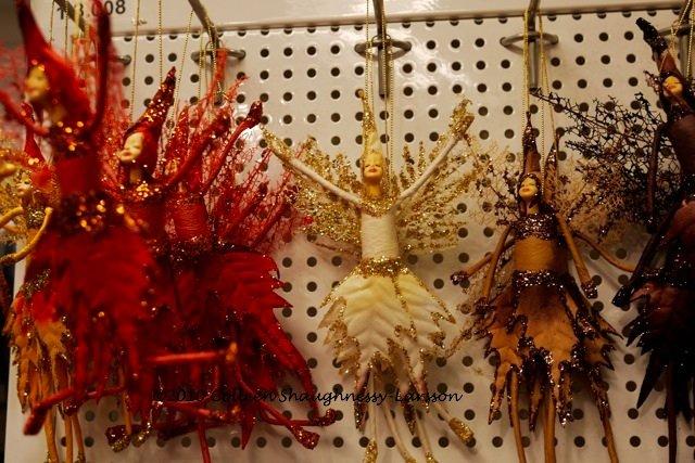 Christmas decorations at Tissus Reine