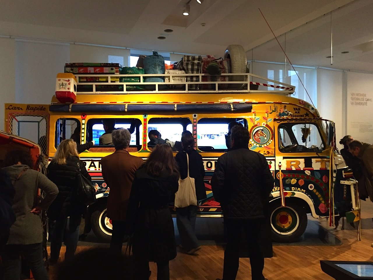 Musee Homme car rapide 6017